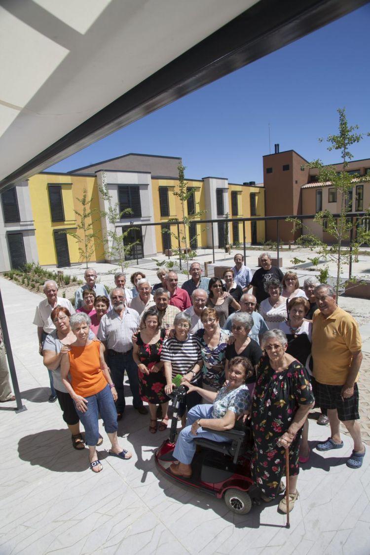 Imagen de los cooperativistas de Trabensol, Santi Burgos, El País, 7 de julio de 2013